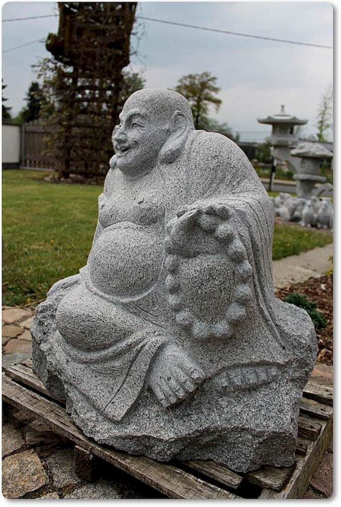buddha aus granit f r den garten. Black Bedroom Furniture Sets. Home Design Ideas