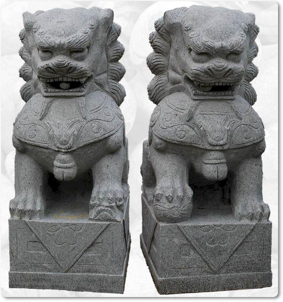 Chinesische w chterl wen aus granit for Gartengestaltung chinesisch