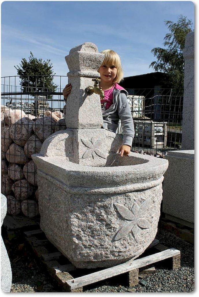 gartenbrunnen granit. Black Bedroom Furniture Sets. Home Design Ideas