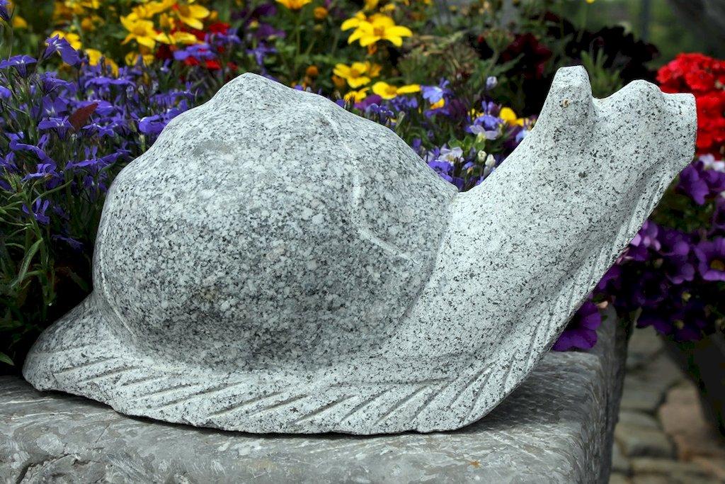 tierfigur schnecke aus granit f r den garten. Black Bedroom Furniture Sets. Home Design Ideas