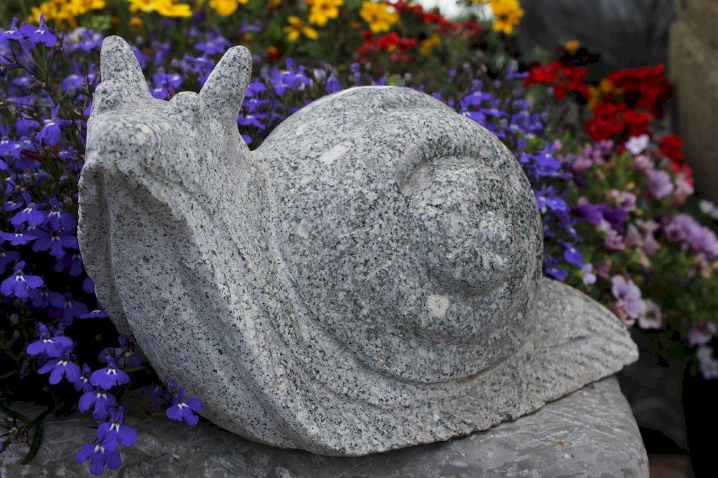 Schnecke steinschnecke schneckenhaus gartendeko for Gartendeko stein