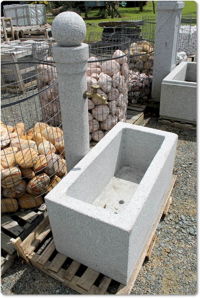 Steinbrunnen aus granit brunnen gartenbrunnen steinbrunnen for Esszimmertisch aus granit