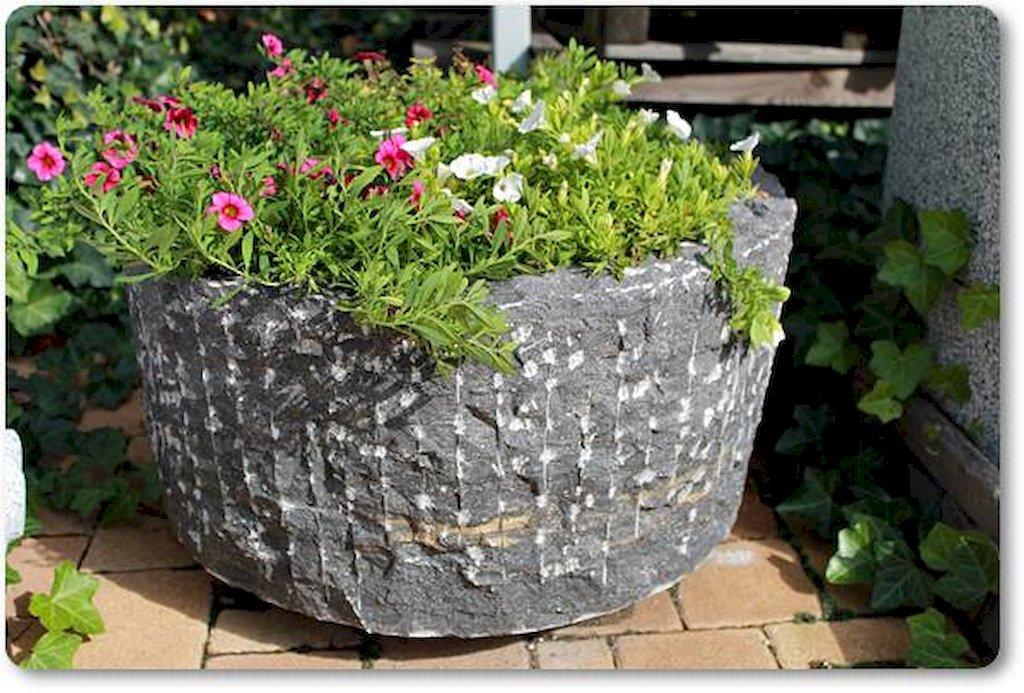 Steink bel aus marmor grob gehauen pflanztrog naturstein for Tonscherben deko