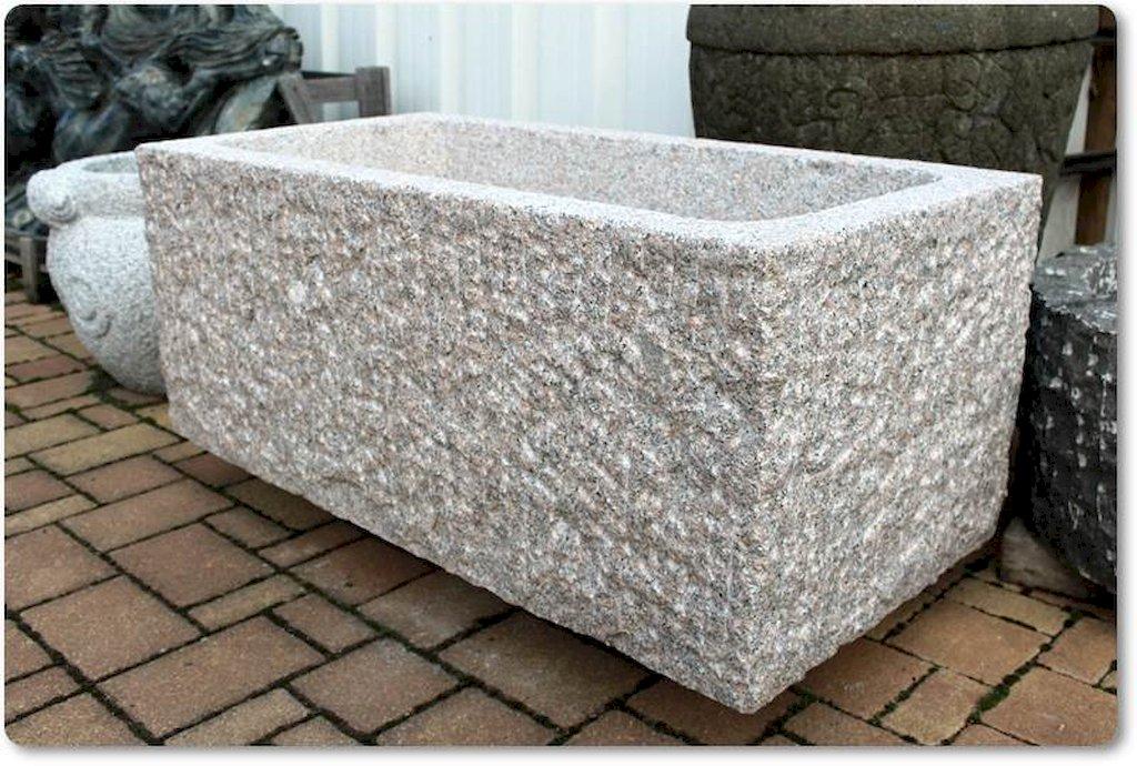 steintrog aus granit brunnentrog wassertrog pflanztrog. Black Bedroom Furniture Sets. Home Design Ideas