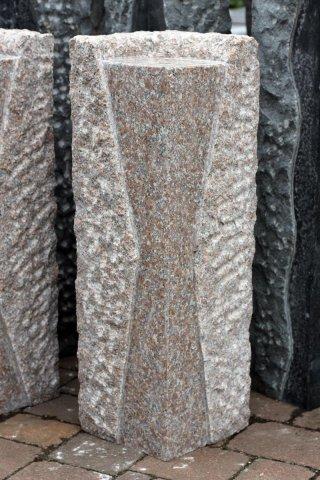 Steinsäule granit