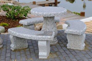 Gartentische Und Steinbänke Für Den Garten